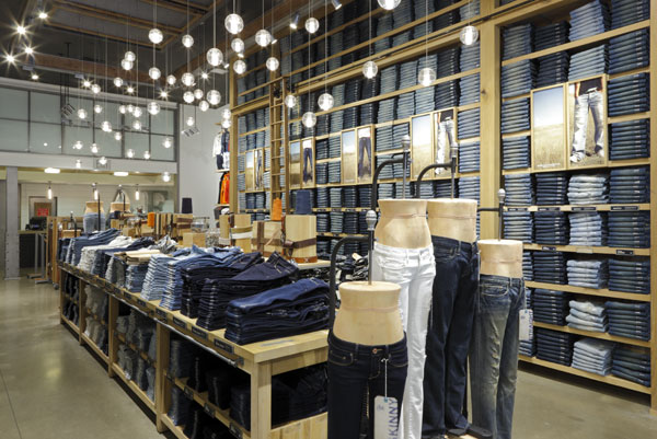 American Eagle Outfitters Times Square By BAR Architects
