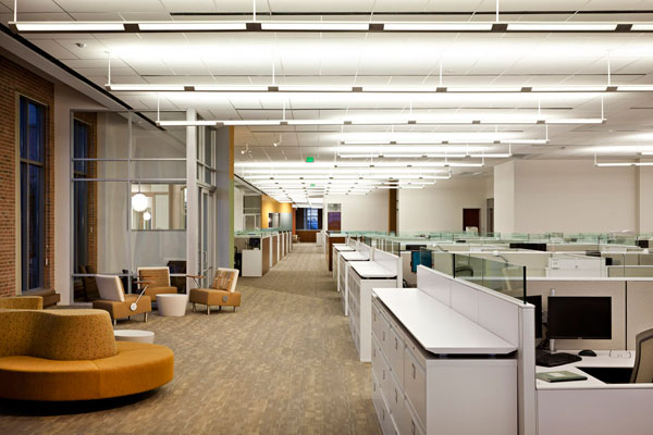 Cb richard ellis office dallas designed by hks inc for Office design group inc